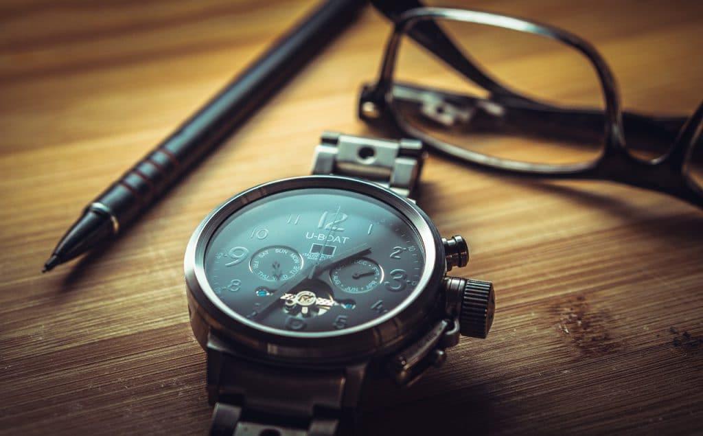 Best Men's Watches Under 2000, Best Watches Under 2000